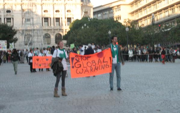Amo A Mãe Natureza! Parem o aquecimento global! Marcha pelo Clima, Porto 29 dezembro 2015 - Foto Cláudio Anes