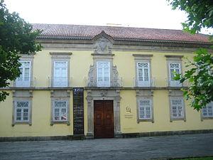 A Casa das Artes, património construído de valor, é hoje um centro cultural e uma biblioteca para a população de Arcos de Valdevez.
